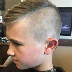 Boy with new haircut - Salon Bambino
